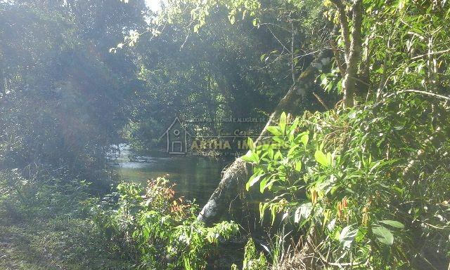 Lindo terreno com 300m de Rio Bonito cortando toda a area, local privado e reservado,areas planas com mata preservada e riacho.
