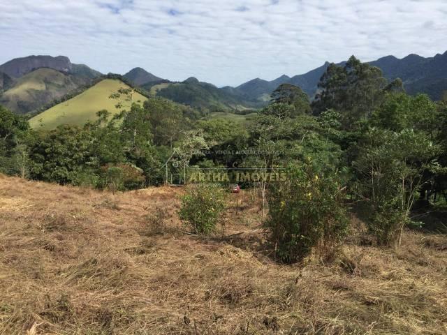 Legalizado terreno com linda vista no centro de São Pedro da Serra, com 20.000