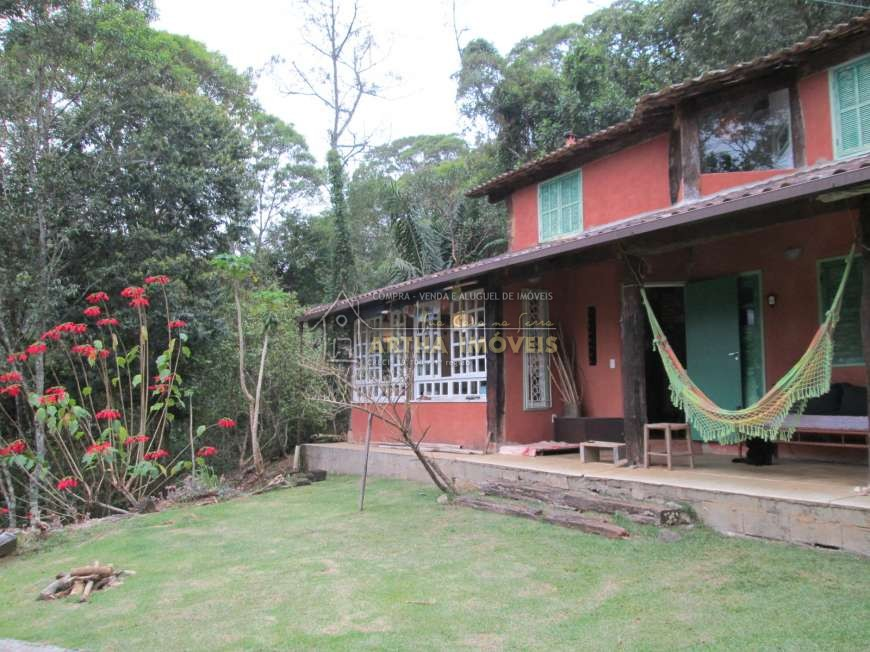 Casa rustica, muito aconchegante, facil acesso, com linda praia de rio bonito no quintal, linda vista legalizada