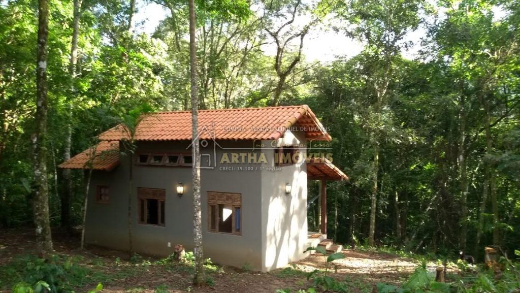Casa aconchegante mobiliada de 1 a 3 meses, em meia a mata área preservada e particular