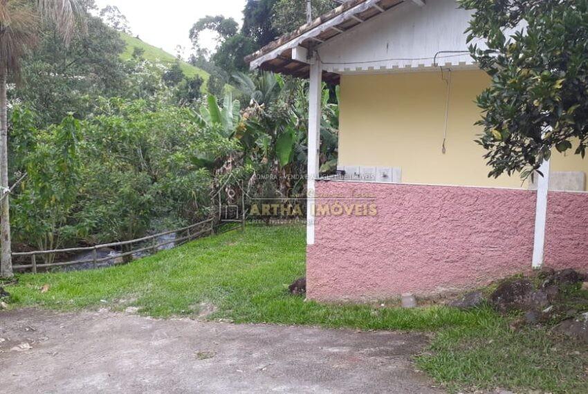 Venda casa simples na beira do rio com quintal próximo a Lumiar