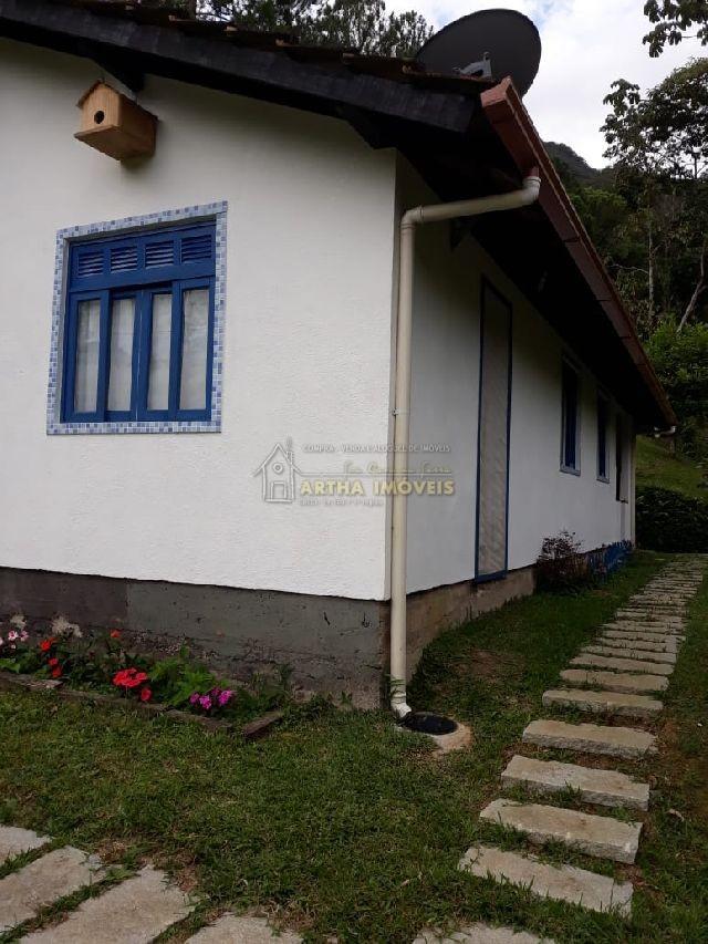Casa ampla com linda vista do vale Casa com sala 2 salas amplas uma com lareira, fogão a lenha, linda vista do vale