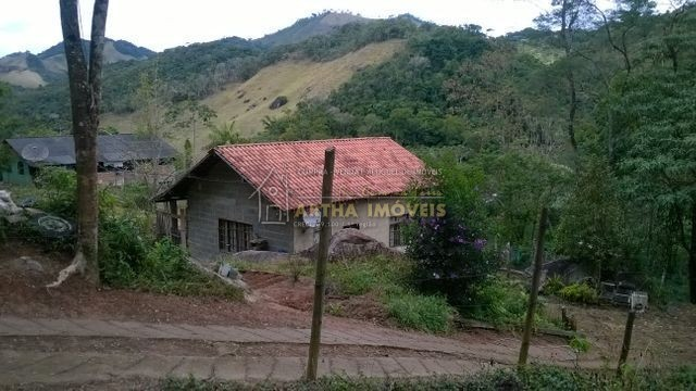 Vendo casa em faze de acabamento externo, localizada na Muri Lumiar, próximo a ponto de ônibus, em Lumiar