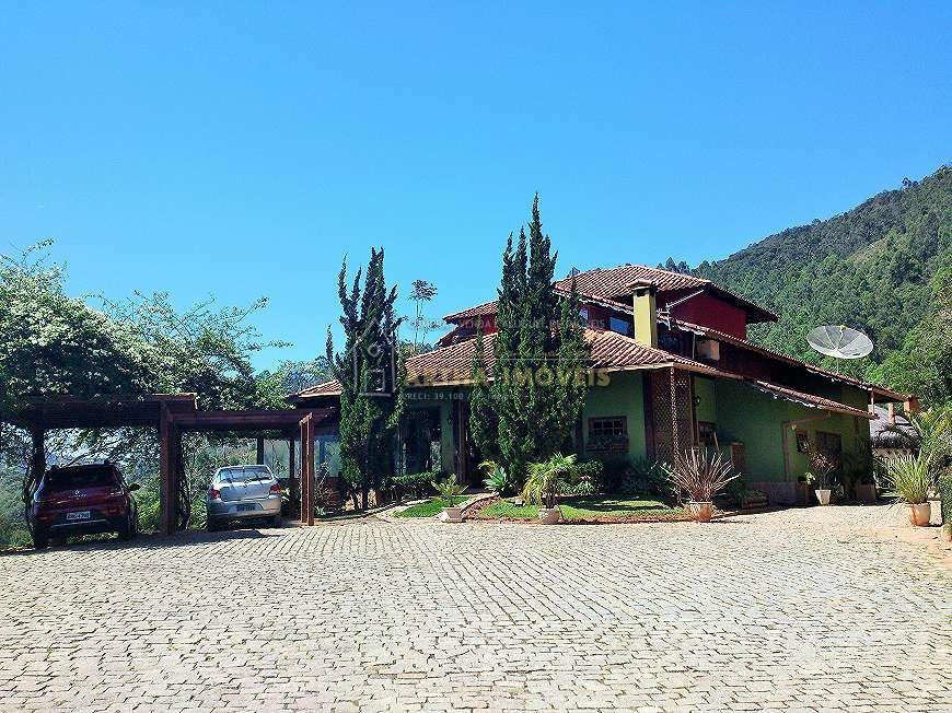 Vendo linda casa com 41.000m de área, fino acabamento, em local reservado e preservado, linda vista