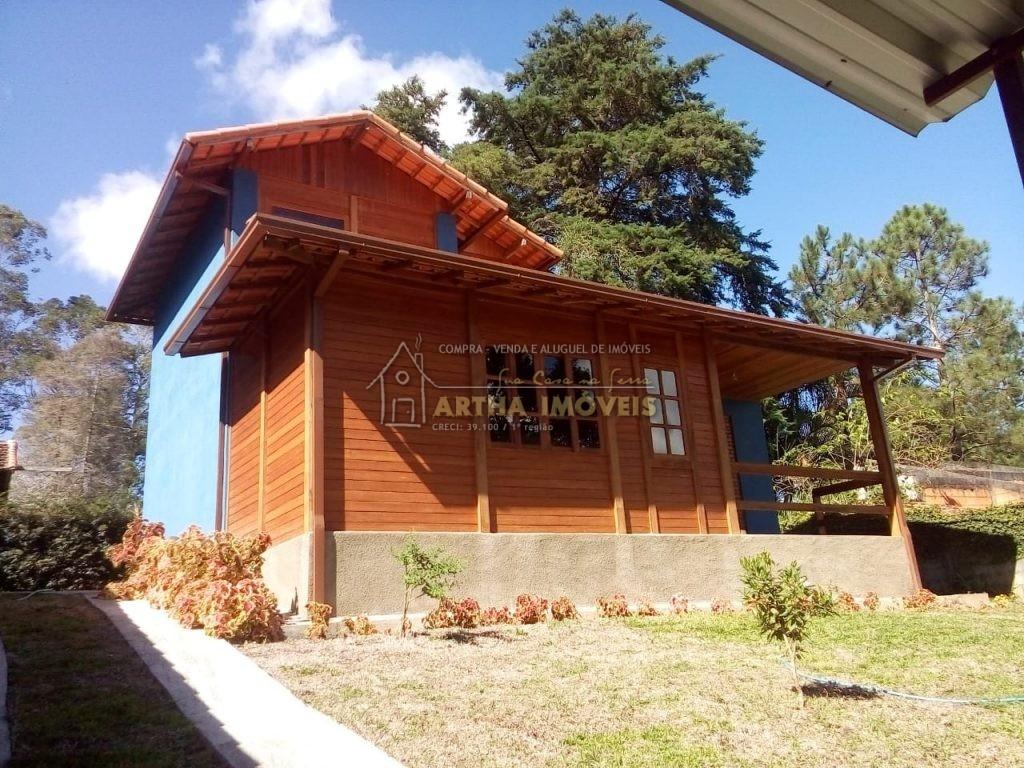 Vendo Casa em São Pedro da Serra com pequena piscina com água de nascente, linda vista a 100m da rua principal – Nova Friburgo RJ
